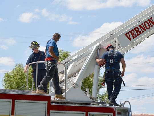 Members of the Vernon Fire Dept. Rope/Rescue team worked