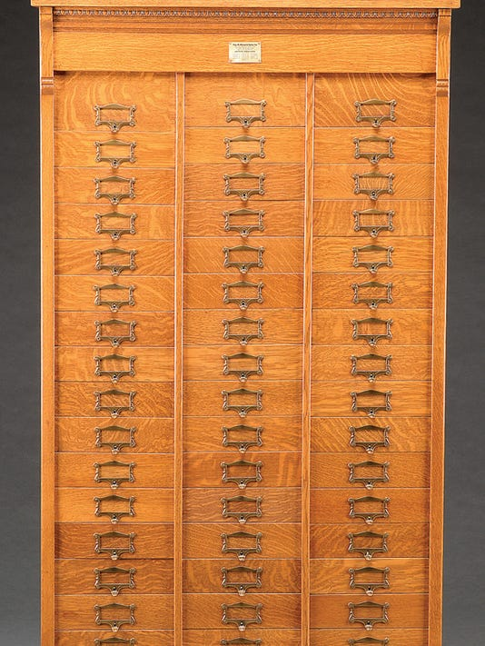 WSF 0413 Kovels cabinet