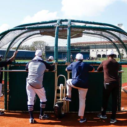 Spring training fantasy baseball chat -- Monday 11 a.m. ET