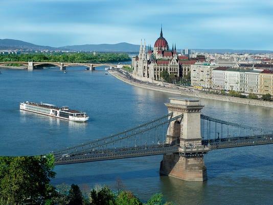 635977641000243117-Viking-Longship-Budapest-Day.jpg
