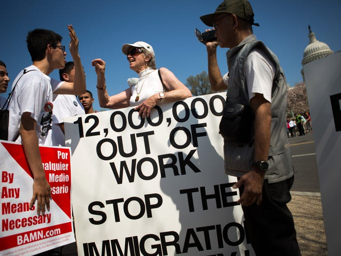 Bashing undocumented immigrants may win applause, columnist