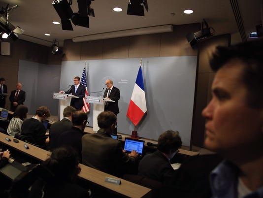 635893346639743785-France-Islamic-State-Coop.jpg
