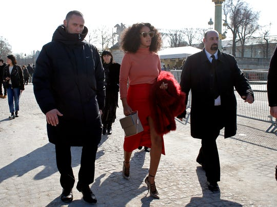 U.S singer Solange Knowles leaves Carven's ready-to-wear