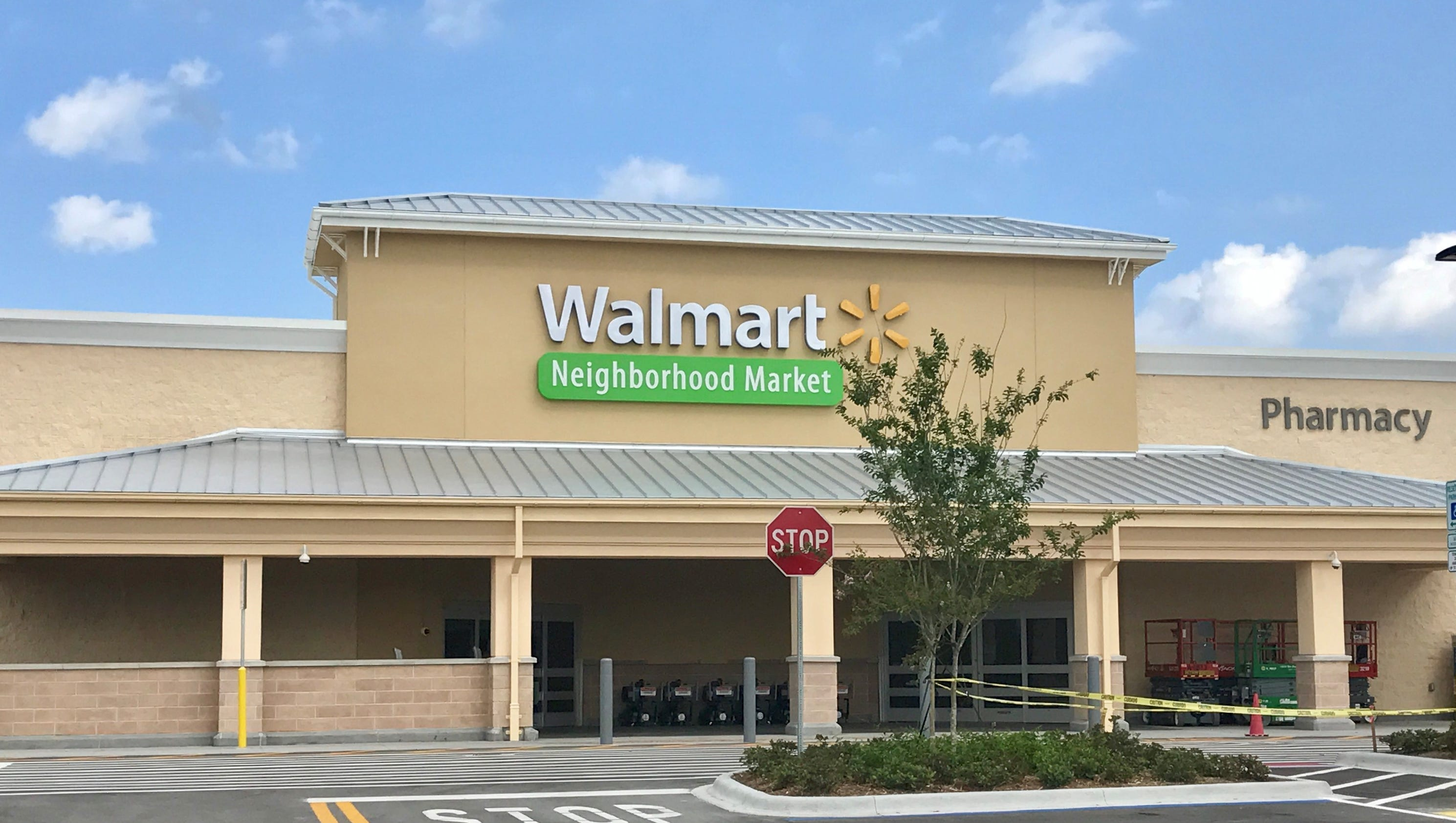 wal mart market segment Expand global market: wal-mart has aggressively expands its international market over the past few years and not every business segment in wal-mart is my.