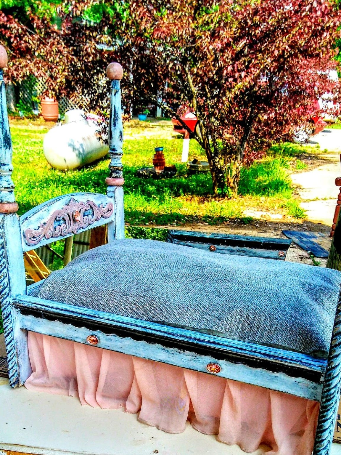 Marty Jean Pettit crafted a tiny, four-poster bed for her friend's dog.