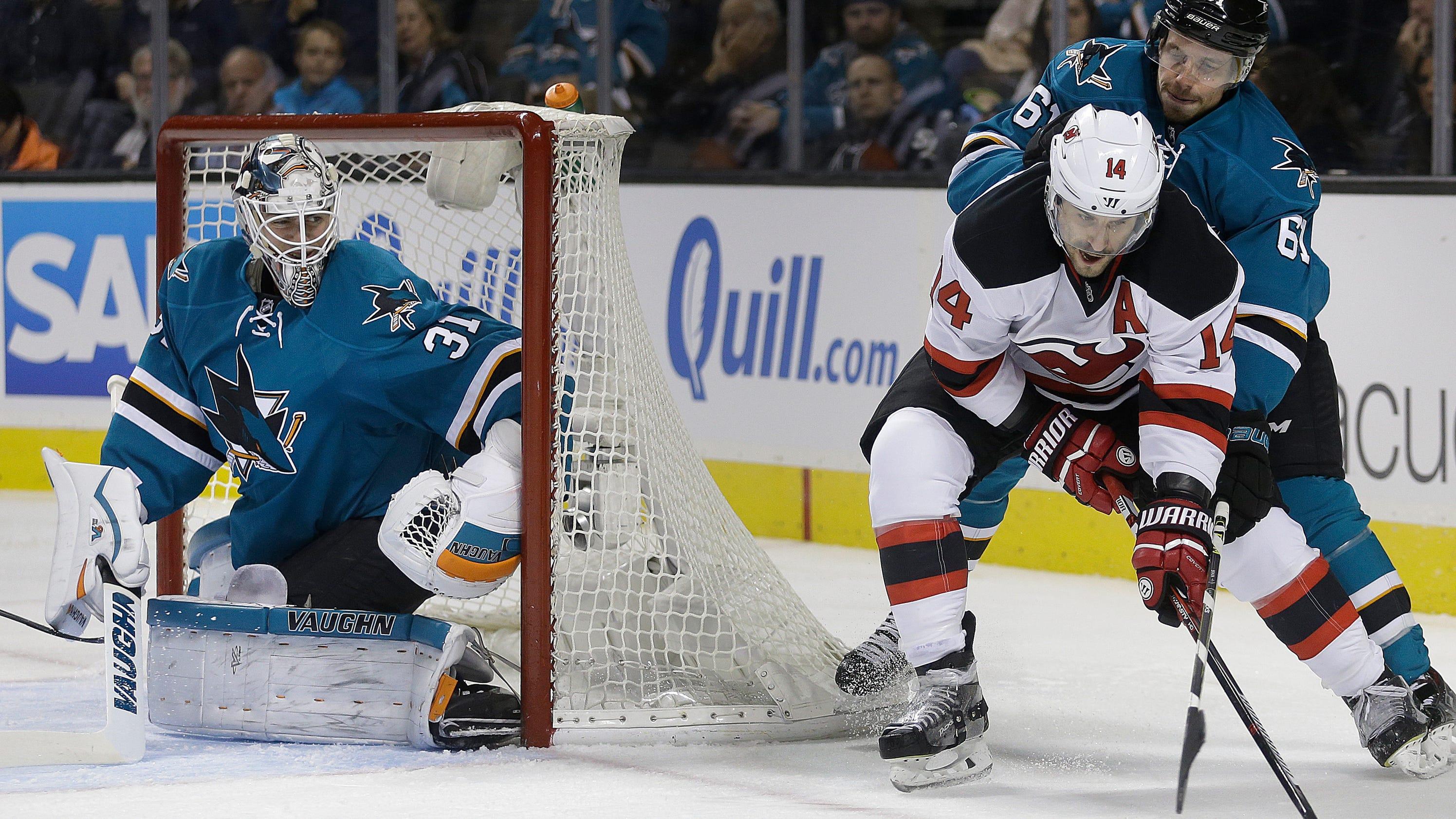 Jones, early goals help Sharks beat Devils 4-0