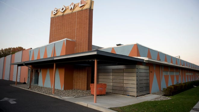 Police were reported involved in a 2011 brawl at Pinsetter Bar & Bowl on Maple Avenue.  Chris LaChall/Courier-Post f ile Exterior of Pinsetter Bar & Bowl in Pennsauken.  10.25.11