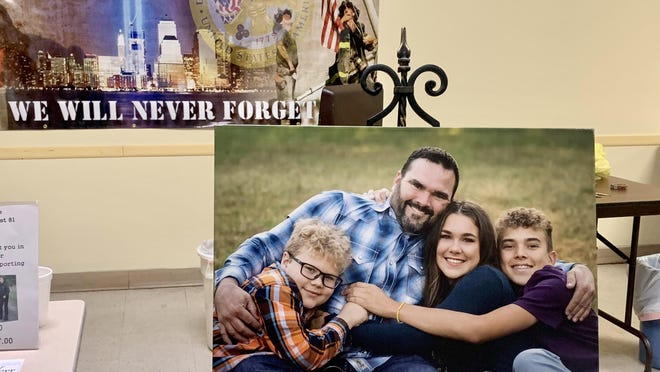 Due to a preexisting medical condition, Jeff Glaves was unable to obtain life insurance prior to an accident that took his life. Numerous friends and community members have made contributions to help provide for final expenses and establish educational funds for his children, Laynie, Cole and Jesse.