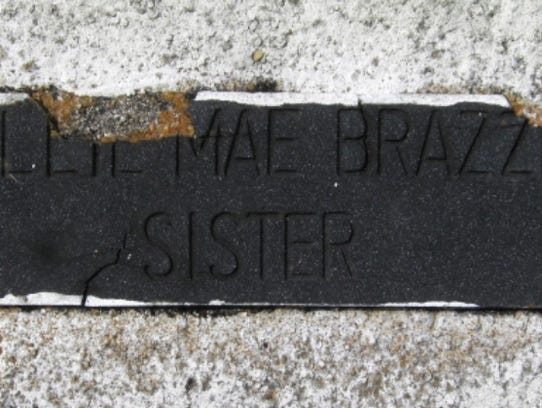 The headstone of Willie Mae Brazzle.