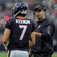 Aug 28, 2014; Houston, TX, USA; Houston Texans head coach Bill O'Brien talks with quarterback Case Keenum (7) during the first quarter against the San Francisco 49ers at NRG Stadium. Mandatory Credit: Troy Taormina-USA TODAY Sports