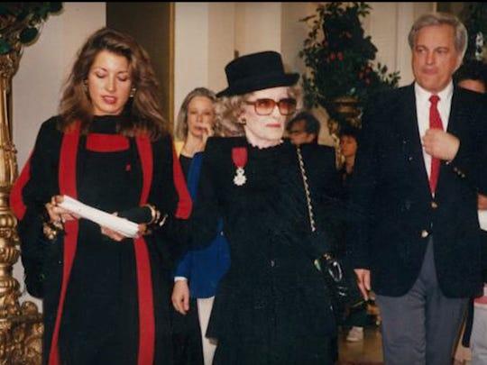 8. Kathryn Sermak, Bette Davis and Robert Osborne at