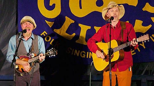 Jonathan Byrd (r) and Johnny Waken (Photo: Bill Gamble)