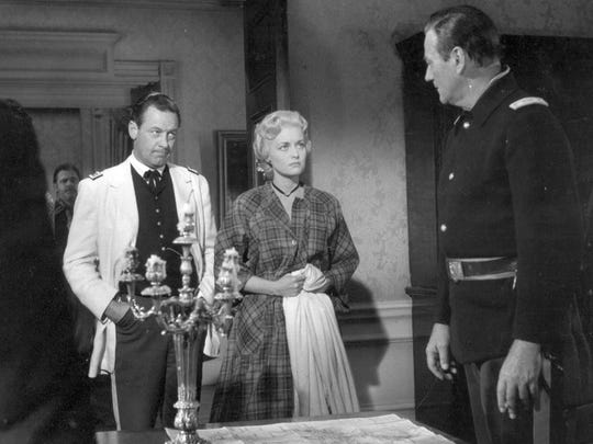 Publicity still of William Holden, John Wayne and Constance Towers in 'The Horse Soldiers'