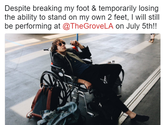 Barns Courtney tweets about breaking foot at Summerfest