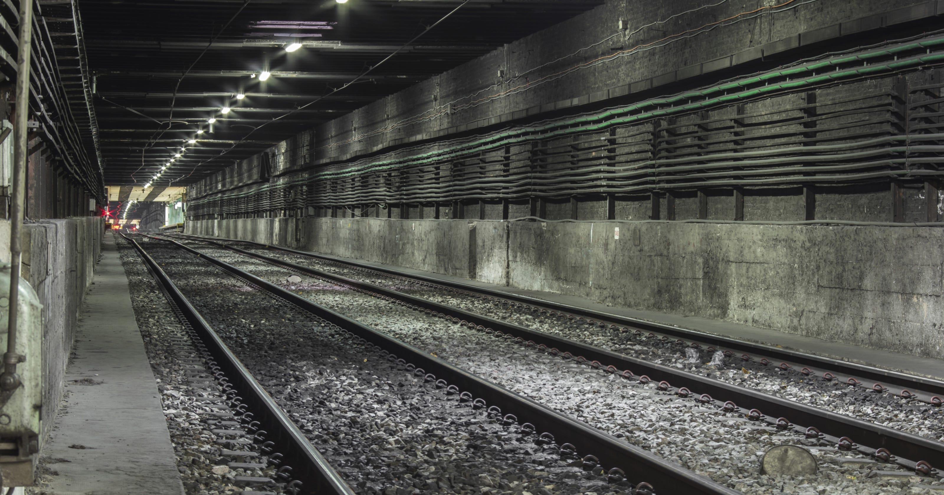 Police: Bronx man killed by train was pushed onto subway tracks