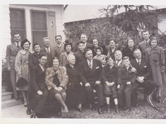 Group Photo circa late 1940s.jpg