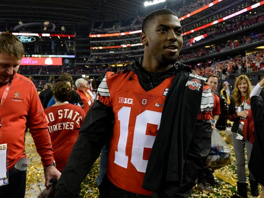 Ohio State quarterback J.T. Barrett has a lot of the same qualities as Fiesta Bowl counterpart DeShone Kizer of Notre Dame.