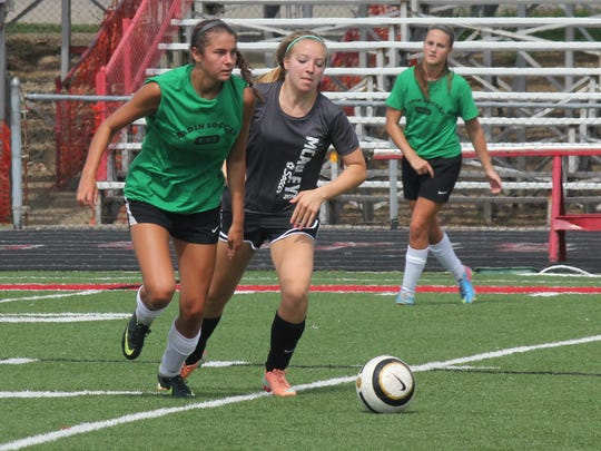 -Fairfield girls scrimmages July 12, 2014 169.JPG_20140819.jpg