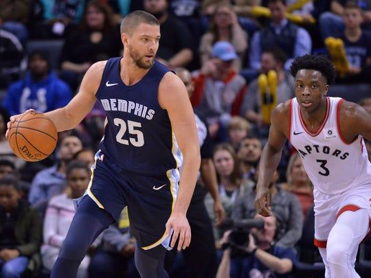 Memphis Grizzlies forward Chandler Parsons (25) controls the ball against Toronto Raptors forward OG Anunoby (3) in the first half of an NBA basketball game Friday, Dec. 8, 2017, in Memphis, Tenn. (AP Photo/Brandon Dill)