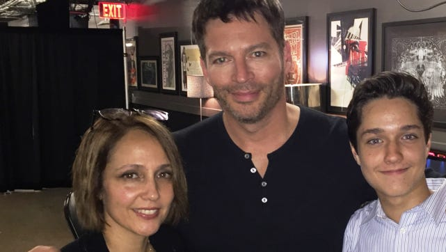 Harry Connick Jr. backstage in Austin with Monica Abernathy and Yale Patrick de Souza Abernathy.