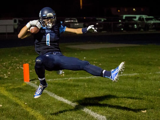 Richmond's Anthony Tavano catches a ball in the end