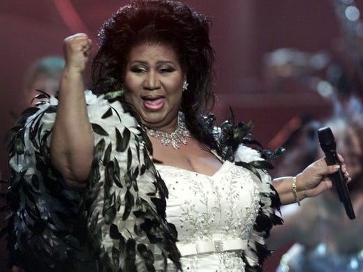 "Aretha Franklin performs during the ""VH1 Divas 2001:"