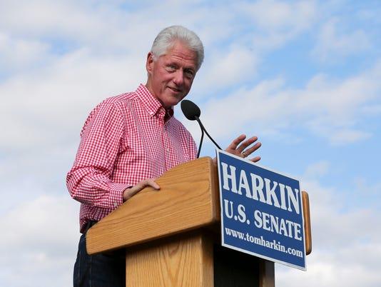 635497518398628874-Bill-Clinton-Iowa