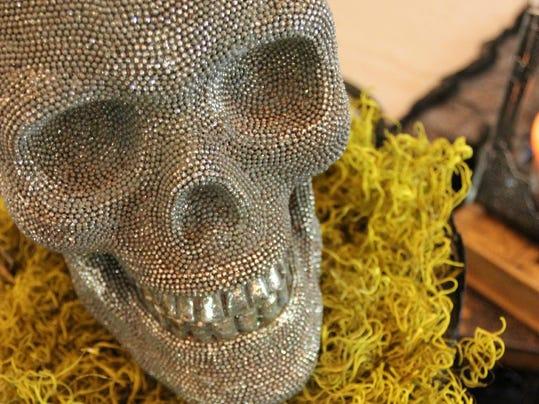 spooky decorations skull