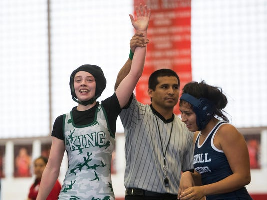 636537156015539917-311599002-WRE-district-wrestling-10.jpg
