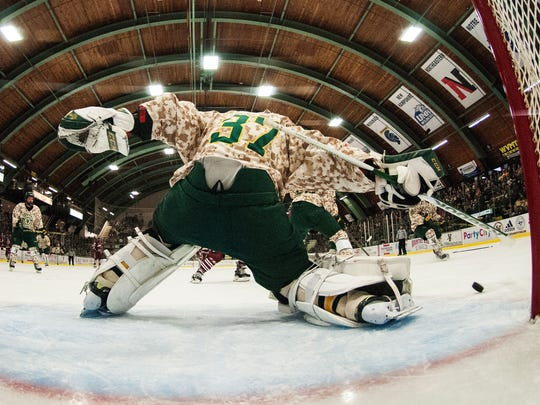 Umass vs. Vermont Men's Hockey 11/25/14