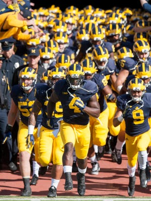 De'Veon Smith and the Wolverines open the season Sept. 3 against Hawaii.