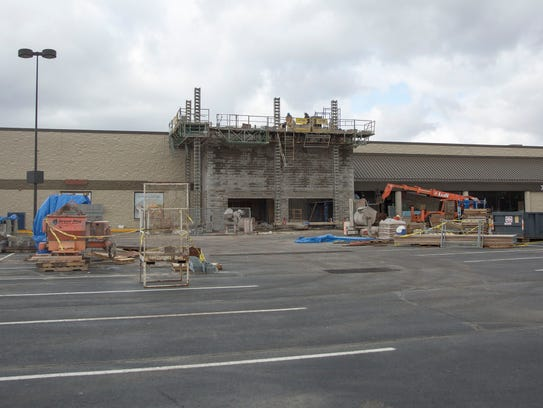 Remodeling continues on the former Marsh store along