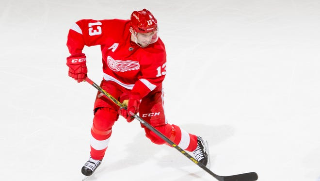 Ted Kulfan says the Red Wings uniform, worn here by Pavel Datsyuk, is the third best in the NHL.