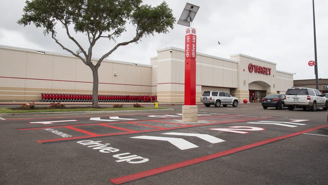 Target is expanding its new drive-up option to the store on Old Fort Parkway in Murfreesboro.