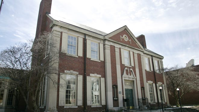 Duncan Hall is a multi-purpose facility that includes nine elegant rooms and gardens.