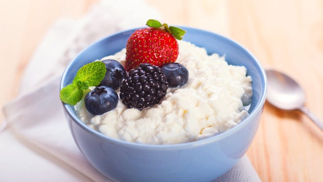 Cottage cheese with berries.