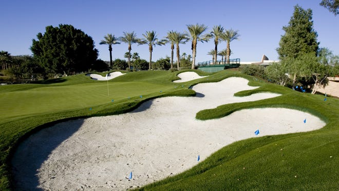 The 18th hole of the Indian Wells Golf Resort 18th green.