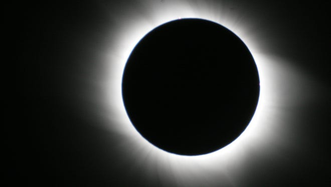 A total solar eclipse was captured by a fellow passenger of Bernard Arghieri's on a cruise in the Mediterranean in 2006.