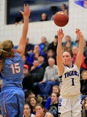 Wrightstown freshman Bridget Froehlke (1) shoots a