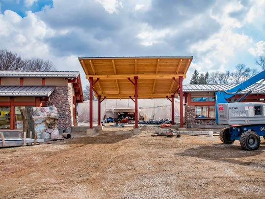 A new west entrance at the Milwaukee County Zoo will