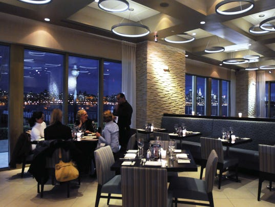 EdgewaterRestaurant0-12363299.jpg