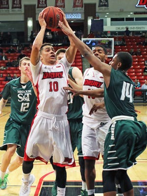 Tevin Foster had 21 points to help Drury University start off its 2016 Canadian exhibition tour with a victory.