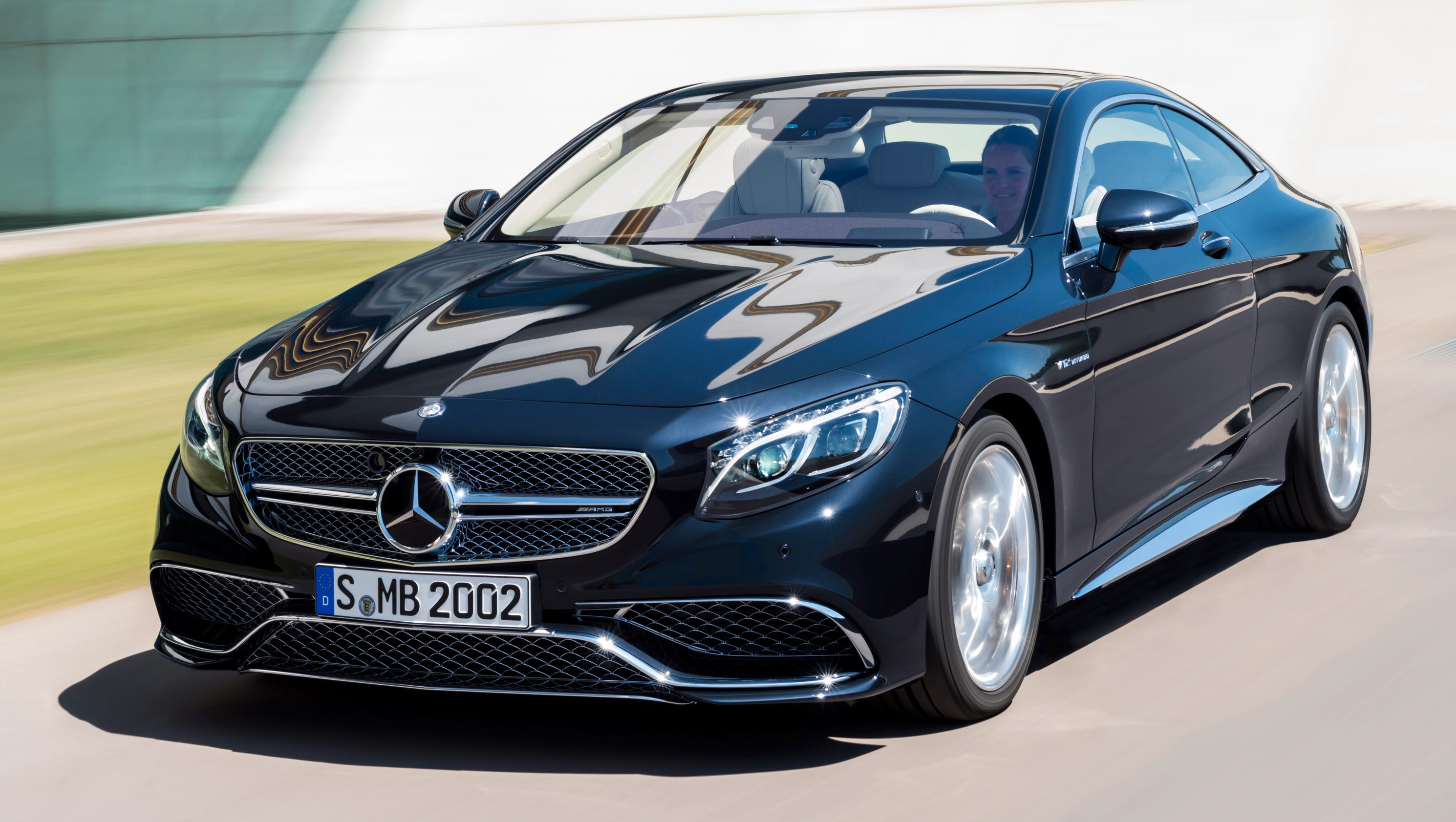 Mercedes benz debuts big 12 cylinder coupe for How to get a job in mercedes benz