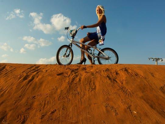 1 BMXgirl.jpg