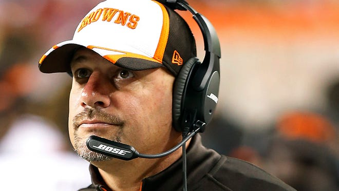 Browns coach Mike Pettine still doesn't know who is Week 1 QB is.