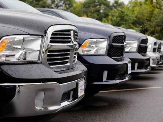 -Auto_Sales_Chrysler_MACK104.jpg_20141001.jpg