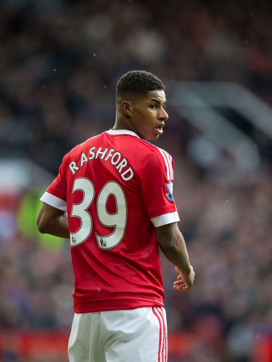 Manchester United's Marcus Rashford looks on during the English Premier League soccer match between Manchester United and Aston Villa at Old Trafford Stadium, Manchester, England, Saturday, April 16, 2016. (AP Photo/Jon Super)