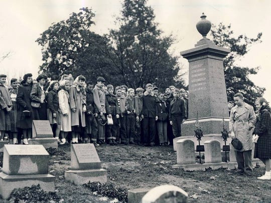 Seventh-graders from Prestonia School on Preston Highway visit George Rogers Clark's grave site in Cave Hill Cemetery on the 200th anniversary of his birthday Nov. 19, 1952.