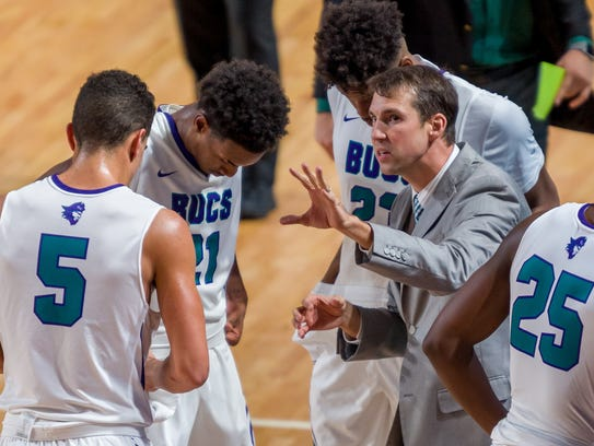 Coach Mary Richter and FSW earned a No. 6 seed in next week's NJCAA men's basketball tournament in Hutchinson, Kansas.
