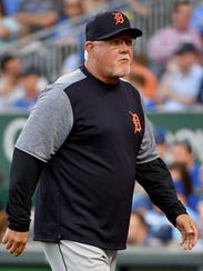 Detroit Tigers manager Ron Gardenhire (15) returns